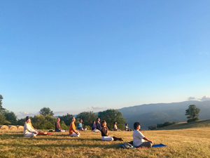 Sivananda Yoga Easter Retreat in Tuscany